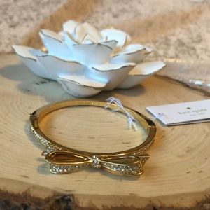 """NWT KATE SPADE GOLD """"love notes"""" BOW BRACELET!"""